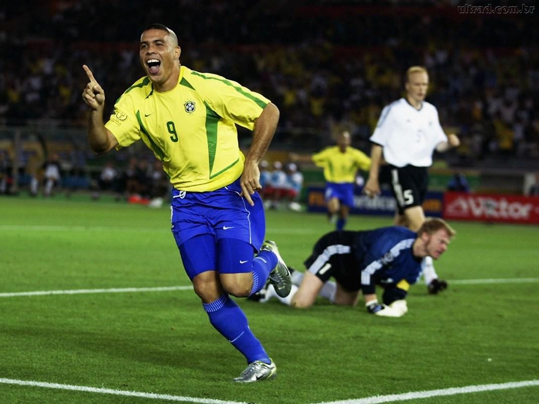 美国色吧_2002年德国队挺进决赛不止运气:头球战术+巨星光环=世界杯传奇!