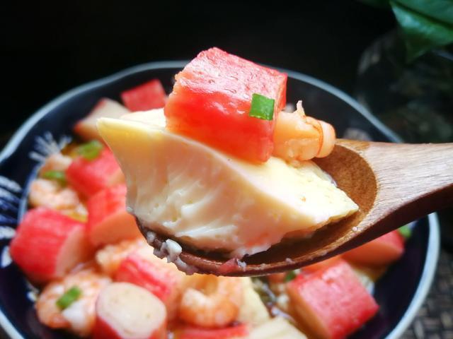 蛋羹怎么做才好吃,不加葱花加虾仁,好吃美味又鲜香