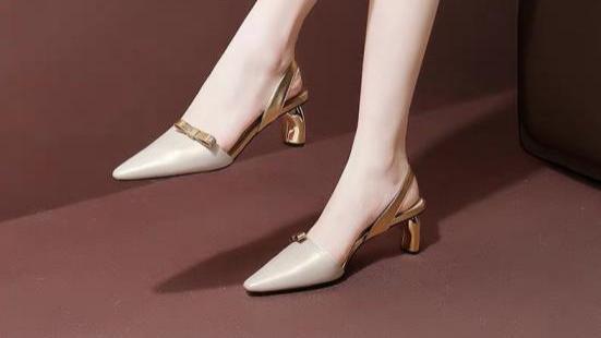 """今年最流行""""异形跟"""",设计感满满的高跟鞋,夏天穿上超吸睛"""