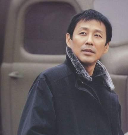 皇帝专业户陈道明,伪装32年,终在65岁翻车:功亏一篑 杜宪 陈道明 单机资讯  第8张