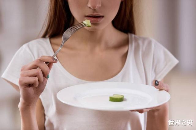 """长期不吃晚饭减肥的人,往往要""""承受""""3个后果,别不当回事"""