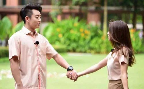 郑恺官宣结婚后,前女友程晓玥的动态令人深思,预言家上身!
