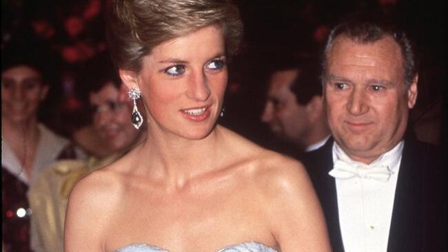 戴安娜王妃的10个时尚穿着技巧!