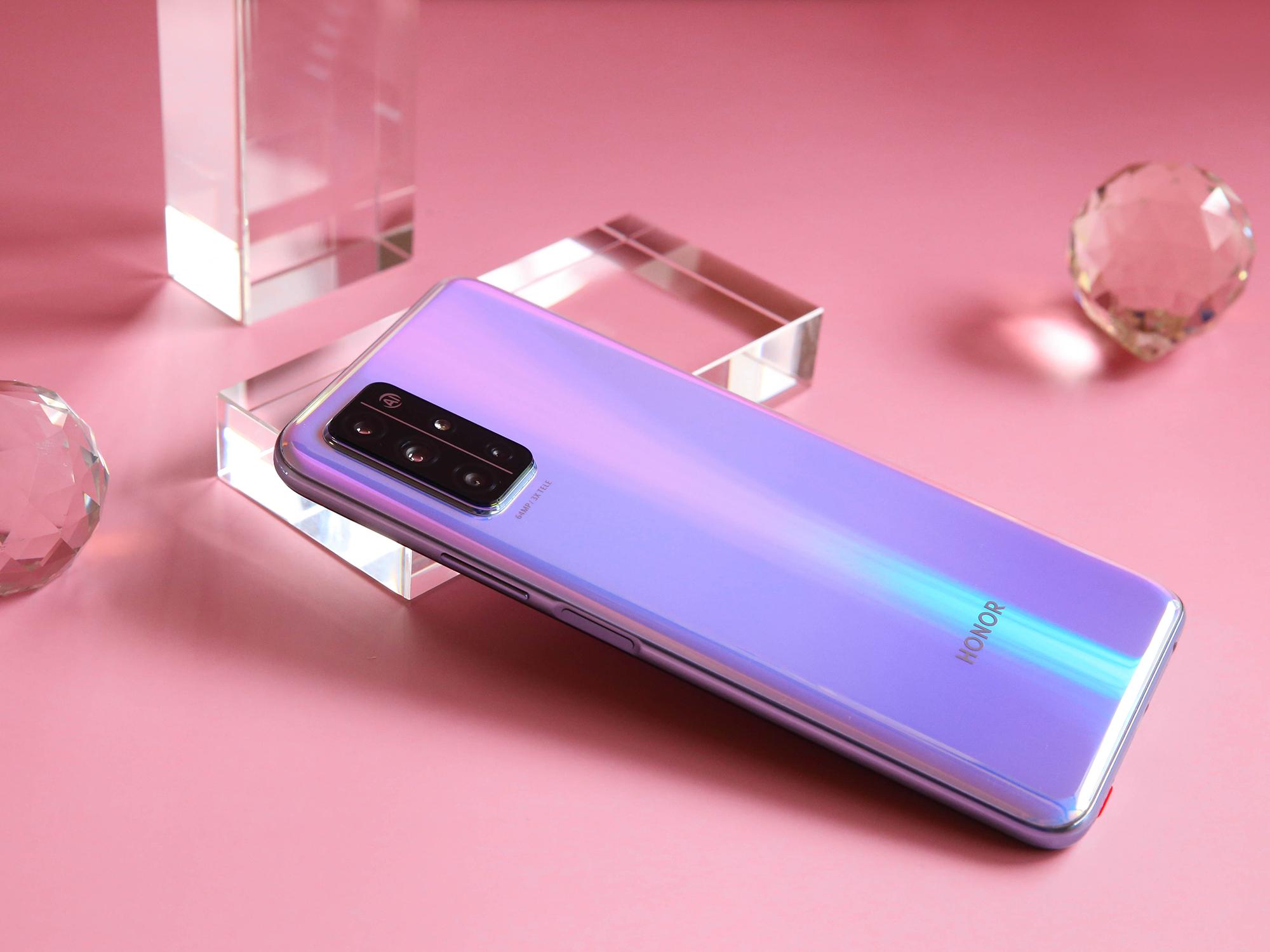 最便宜的麒麟820 5G手机已降至1699,搭载6400万四摄、40W快充