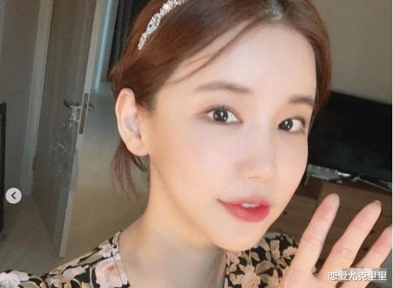 韩国又一女星因压力过大自杀,生前个人生活照曝光,精致得像娃娃!