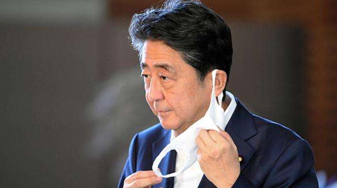 首相 吐血 安倍 安倍首相、官邸で吐血? 日本週刊誌が火をつけた健康異常説