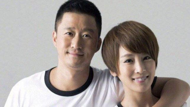 谢楠被吴京追到手时才28岁,看到长发旧照,才知道吴京有多幸福
