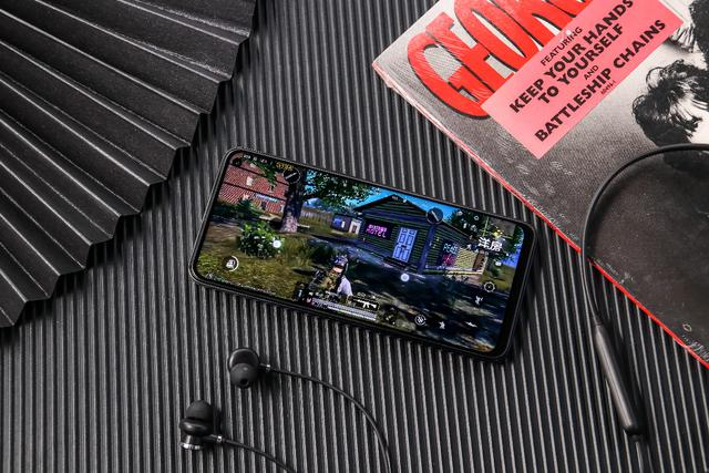 《【煜星娱乐app登录】夏日开黑首选,iQOO Neo3打造电竞级沉浸式游戏体验》