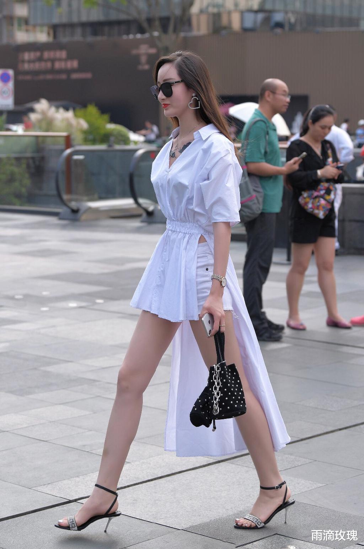 魔界村ol_白色V领上衣,搭配白色热裤,好仙呀!