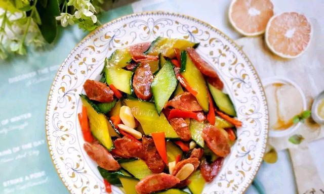 青瓜炒腊肠家常做法,多加一步,满屋飘香,爱吃腊肠的值得收藏