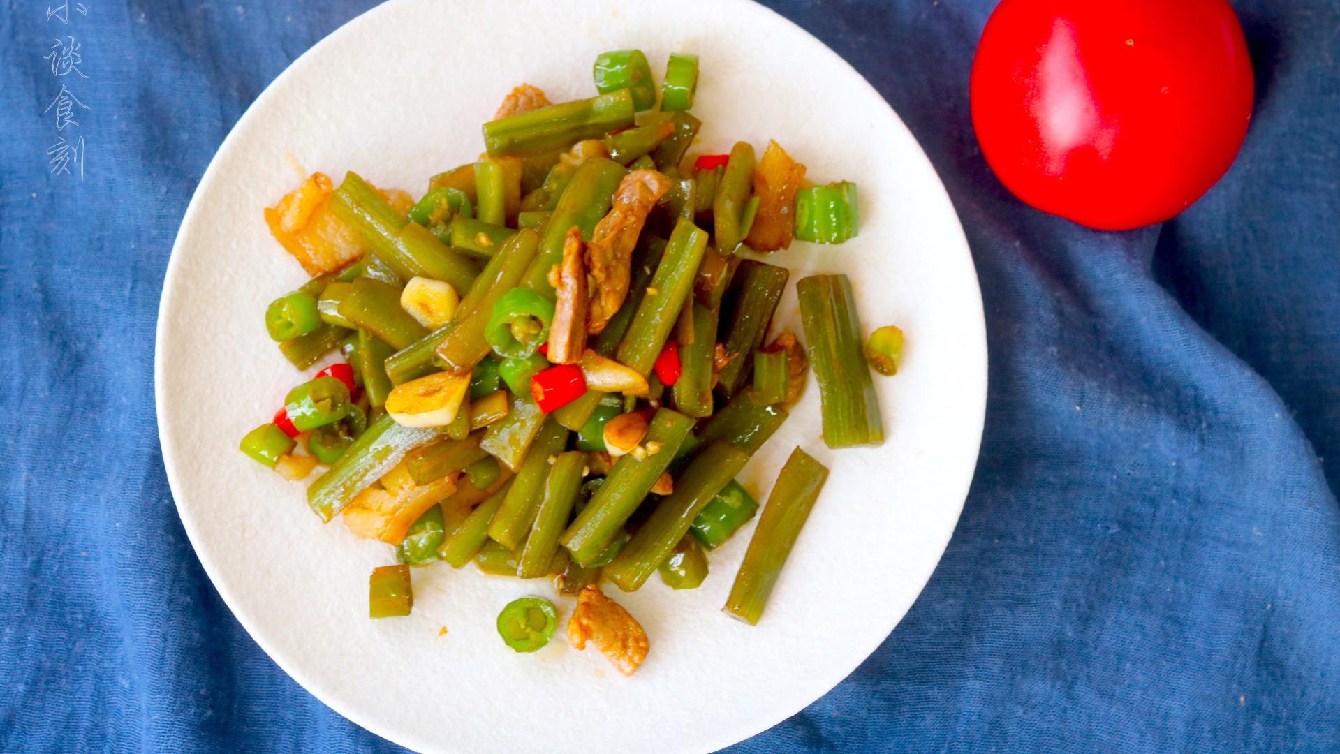 """苔菜人称""""植物海蜇"""",泡泡就能炒,10分钟上桌,比吃肉香多了"""