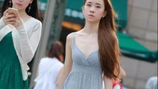 纯棉连衣裙夏季吸汗柔软,风一吹轮廓尽显,完美凸显身材