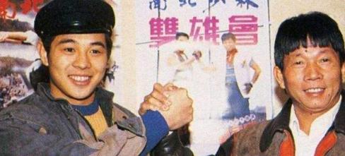 19年前,刘家良回家被锁门外,3分钟后一男子在他家窗外坠亡