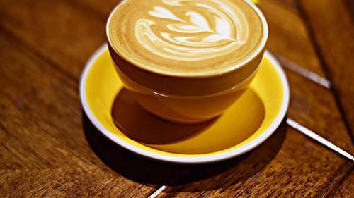 拿铁咖啡到底是什么意思?知道它的小名后,档次一下子就掉了