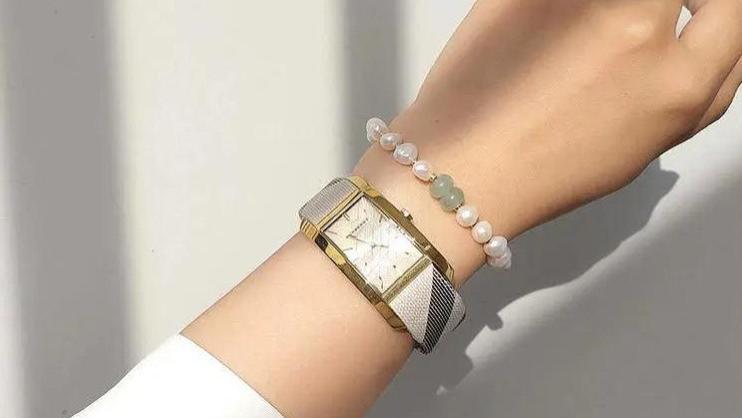 做一个戴手链的珍珠少女,提升气质必备