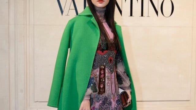田海蓉与Valentino高定一起,用绿色点亮秀场,探寻心灵的春天
