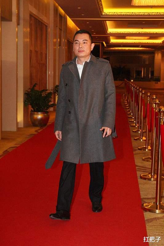 他曾在辉煌时娶了李湘,破产惨遭离婚抛弃,如今身家30亿14字评价李湘