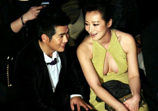 陈紫函被小鲜肉老公宠爱后, 41岁愈发风情万种, 年轻小姑娘都比不上!