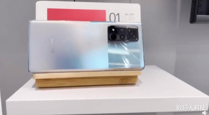 最后:新荣耀V40系列手机被延迟到1月22日发布上市 好物评测 第3张