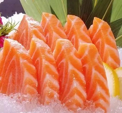 你真的懂怎么吃鱼?食神教你正确的方法吃鱼,是对鱼最大的尊重!