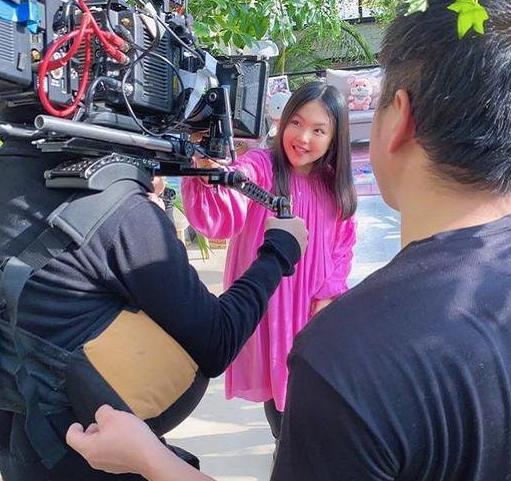 """李湘女儿多不上镜?生图是大家闺秀,镜头前却成了""""土肥圆"""""""