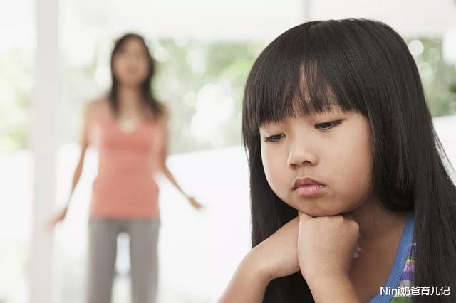女孩儿之所以早恋,竟然是家长的原因,真让人心疼!