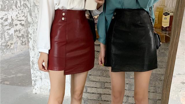 PU皮个性半身裙的穿搭法则,这样穿时髦又减龄