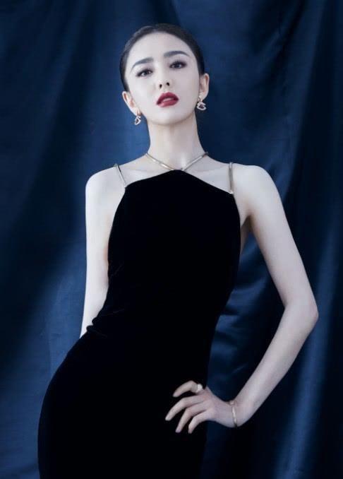 佟丽娅十年前照片,还未结婚生子的她,异域风情
