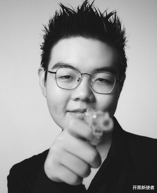 《【煜星娱乐注册平台官网】TES登上杂志,阿水颜值担当太帅气,369:我得罪发型师了?》