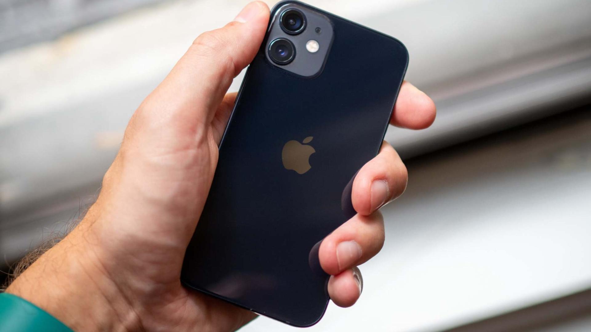 "Apple iPhone 12 Mini评测:体验提升明显,""果黑""颜面无存"
