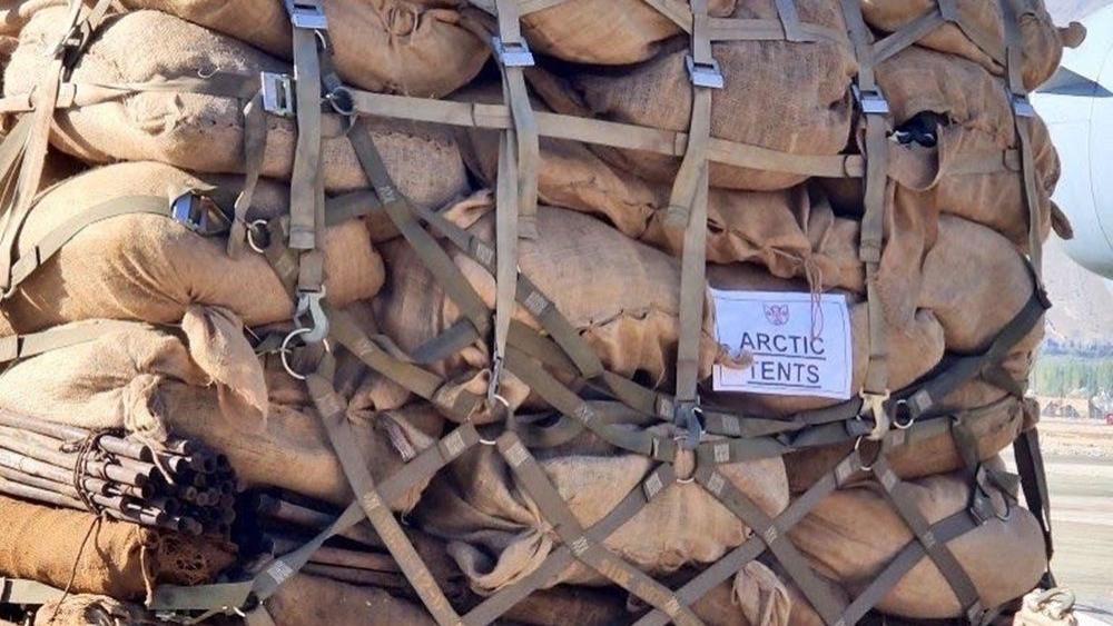 印军阔气了!为拉达克印军空运大批中药保健品,护肤膏,滤水器
