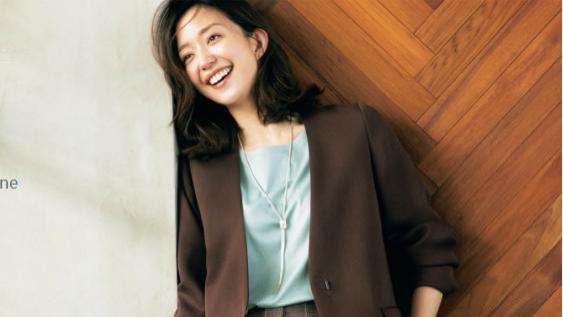颜色搭配真的很重要,看日本博主这4种经典色系穿搭,高级又时髦