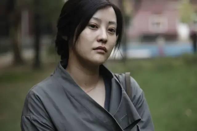 重装魔_19岁成名,2次婚姻,22年只得1次大奖,被低估的演员郝蕾