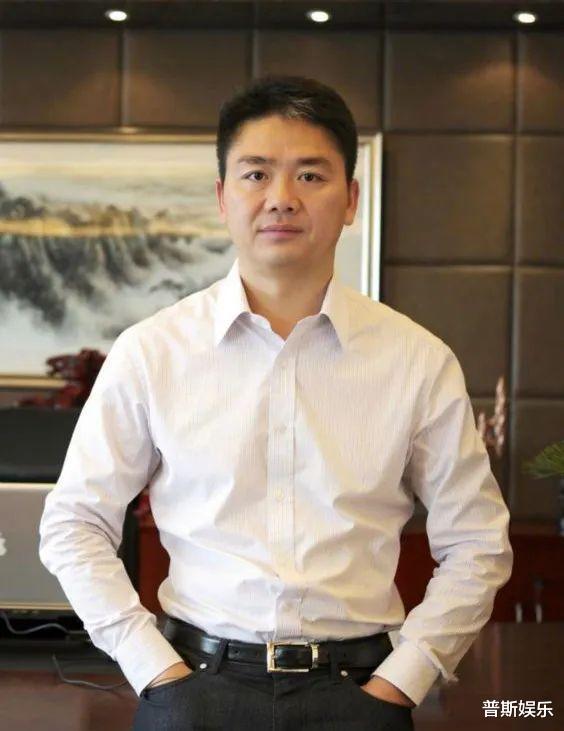 """刘强东的神秘儿子:被后妈章泽天称呼""""少爷"""",坐拥百亿生母成谜"""