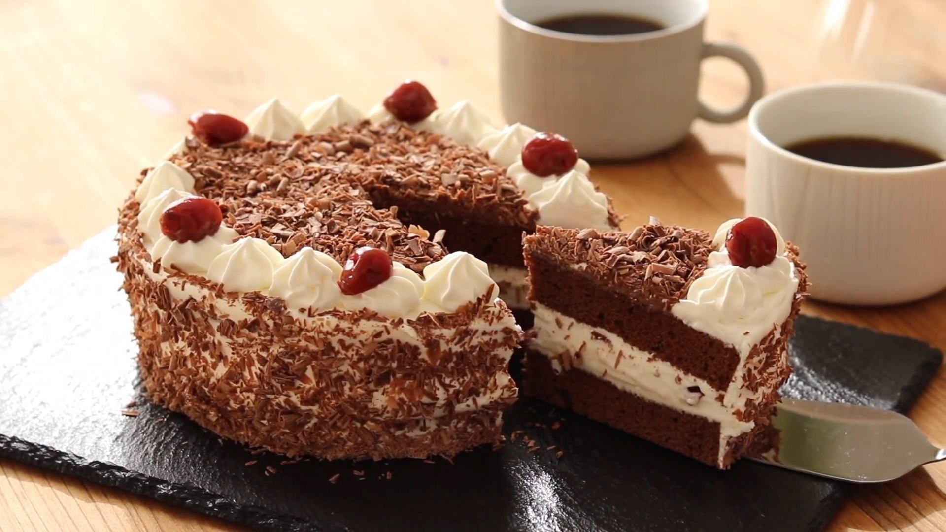 德国有名的甜点叫黑森林蛋糕,比利时叫华夫饼,中国的只有两个字