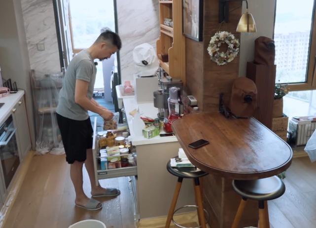 难怪杨子姗家的厨房干净的像样板间,看她和丈夫的饮食习惯,服了