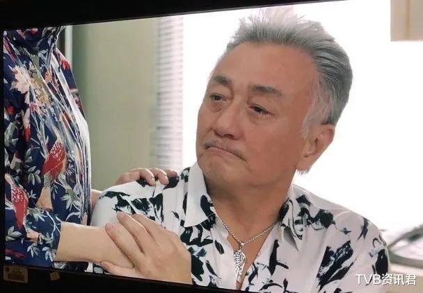 惨!TVB资深戏骨返港接拍剧却延期开工:倒贴十万元租住星级酒店插图6