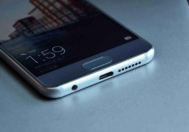 """""""为什么新款手机多采用Type-C接口?除了充电,还有这些好处"""""""
