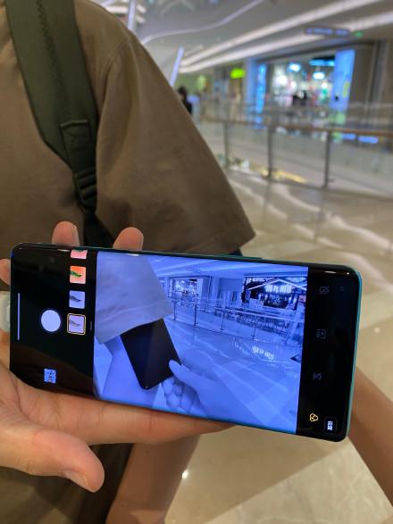 一加手机自带透视镜,女性该如何保证自己的隐私?