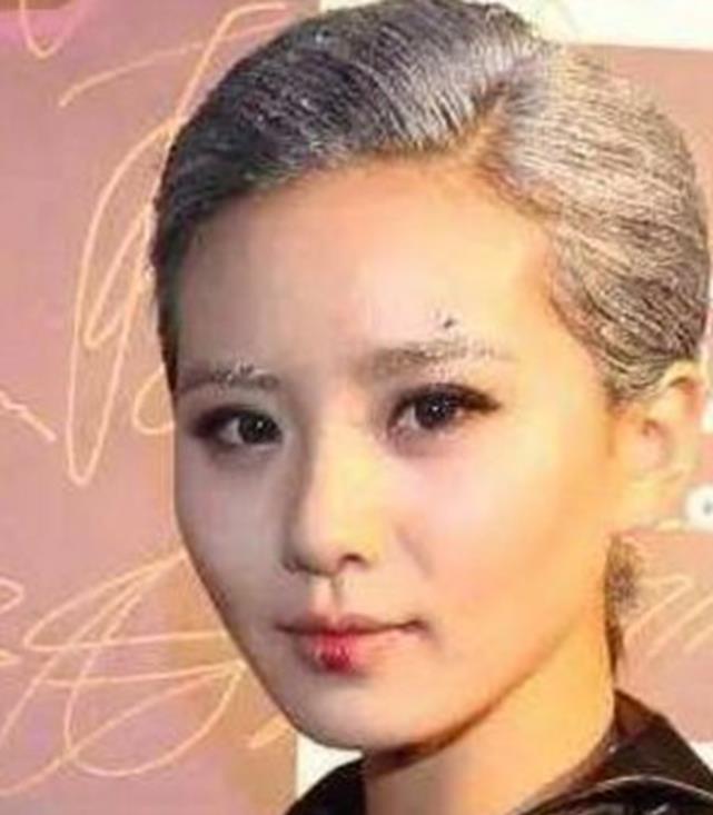 同样是奶奶灰发型:刘诗诗有点显老,陈伟霆十分帅气
