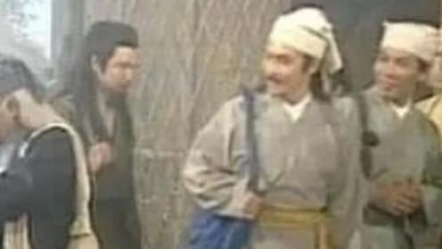 当年剧组在拍摄的时候有多穷?白眉鹰王的武器是大葱,刘亦菲戴一次性手套