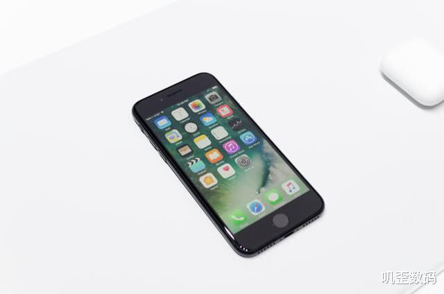 公认耗电最快的四款手机,游戏党买了就后悔,网友:一天五充