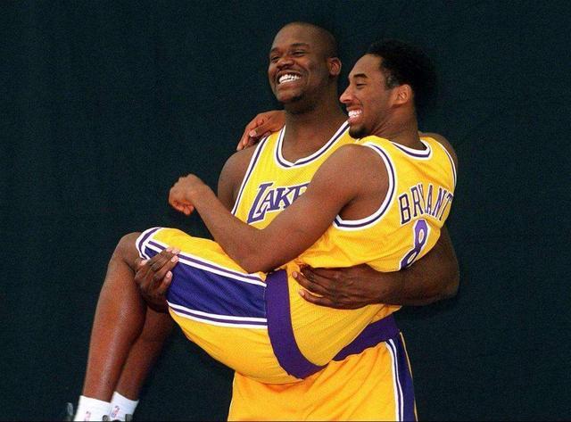 艾弗森记忆—从控卫变分卫,进攻天赋被彻底释放季后赛对飙卡特! 洛杉矶湖人队 篮球 76人 76人队 艾弗森 nba 单机资讯  第8张