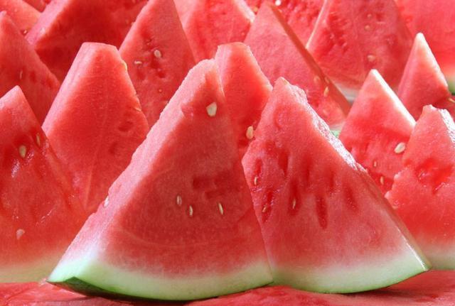 减肥的美女们注意了!减肥吃这几种水果,小心越吃越胖!