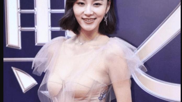 """28岁陈雅婷有多狠?看她的""""3D隐形裙"""",王思聪口味太毒辣"""