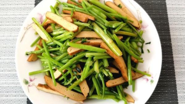 秋季,少吃鸡肉鸭肉多吃它,刮油排毒,补钙质,肠道通畅了