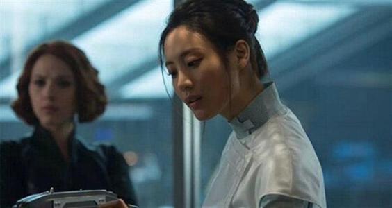 《复联》中唯一的亚洲面孔,电影中不起眼,现实中却美得不可方物