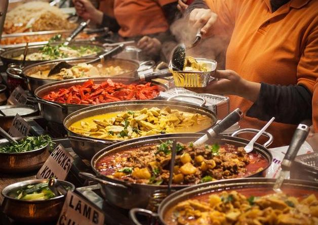 吃自助餐时,这5种食物一样不拿,老板心里直嘀咕,又遇到行家了