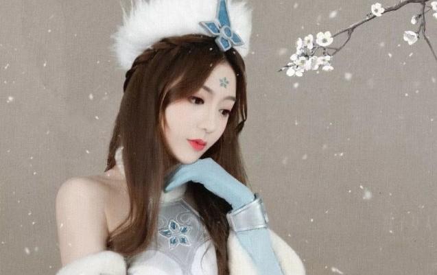 """王者荣耀解说主播Cos比拼,5大KPL美女,都不及""""一姐""""张大仙?插图(4)"""