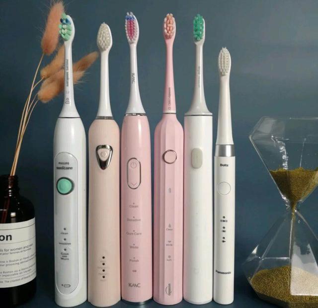还在手动刷牙?试试动牙刷吧!提升幸福指数还能让牙齿健康又白净
